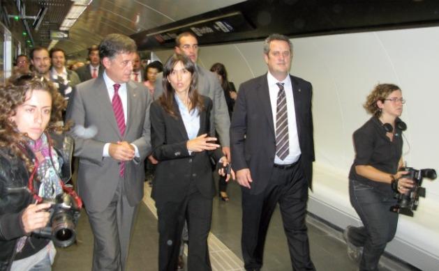 El conseller Lluís Recoder, l'alcaldessa Núria Parlon i el president de TMB, Joaquím Forn.